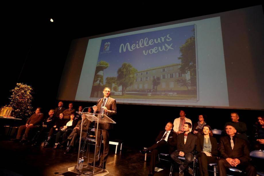 Hervé Stassinos a présenté au personnel municipal les grands chantiers de 2017.