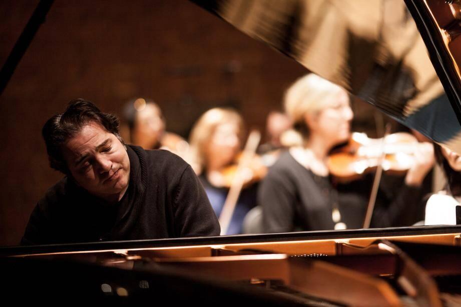 Fazil Say est à l'initiative d'un festival de piano à Antalya en Turquie.