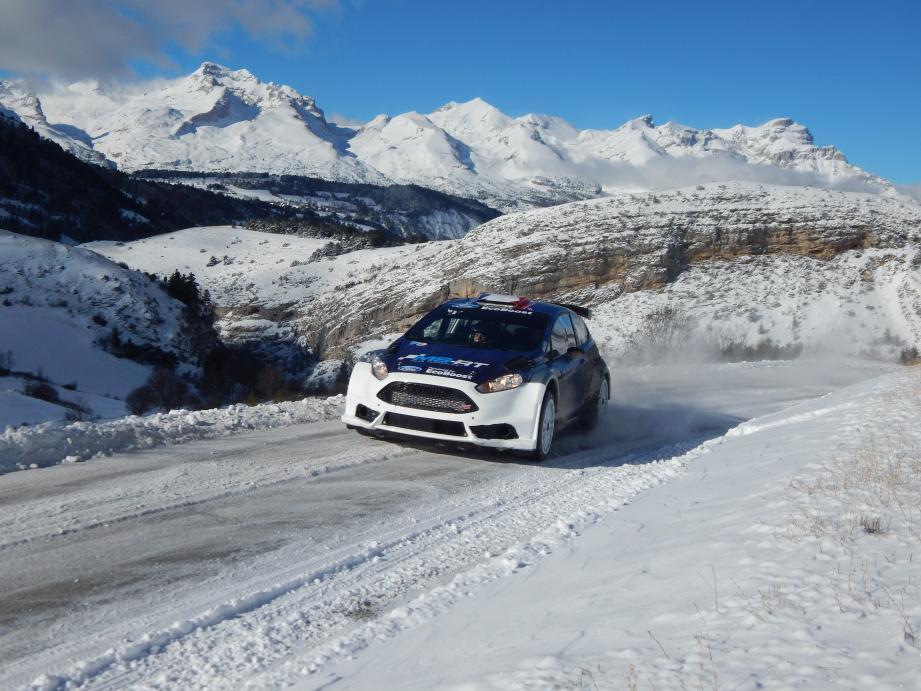 Retour à la case R5 pour Eric Camilli et Benjamin Veillas qui ont fait connaissance avec la Ford Fiesta du team M-Sport dimanche sur le tapis blanc du col du Noyer, près de Gap.