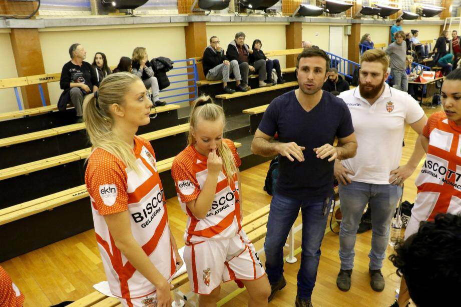 Olivier Tuso, le coach de l'équipe première de l'ASM, a su trouver les mots pour permettre  aux filles de l'emporter sur le fil face à Martigues.
