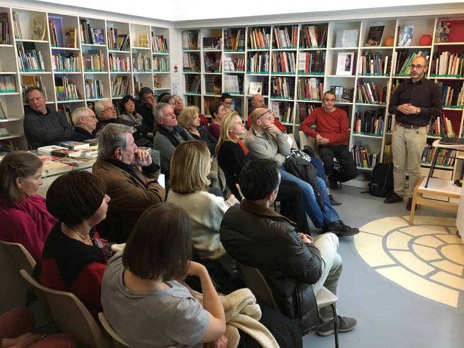 Fabien Kéfélian, chercheur au Laboratoire Artémis (Sophia) qui collabore au projet Ligo-Virgo, a passionné son auditoire.