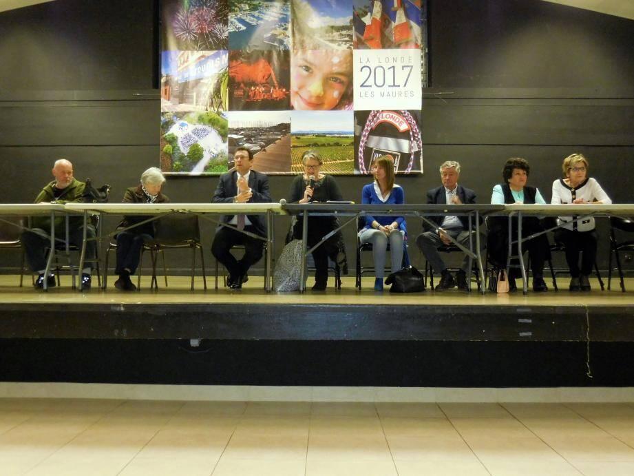 La commune est jumelée à Galbiate depuis 2001 et les échanges entre La Londe et Galbiate sont nombreux.