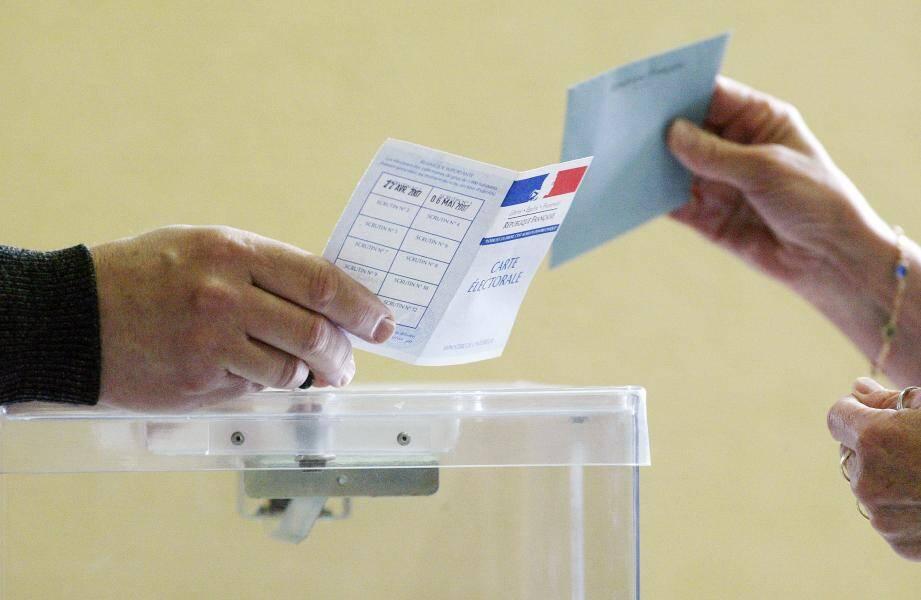 Les bureaux seront ouverts de 9 h à 19 h. Pour voter la participation a été fixée à 1 euro.
