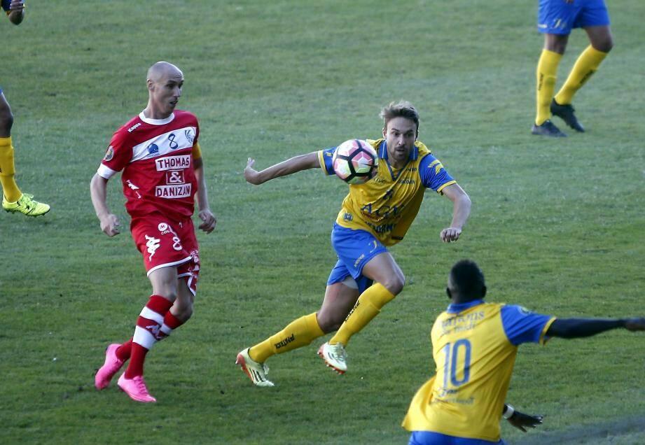 Moulet et les Toulonnais n'ont pas su percer la défense montpelliéraine.