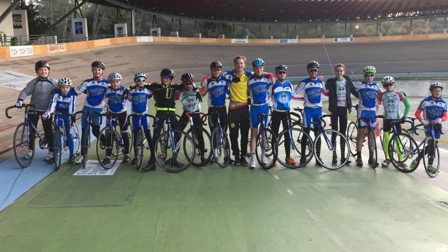 Les jeunes coureurs après leur premier entraînement de l'année.          (DR)