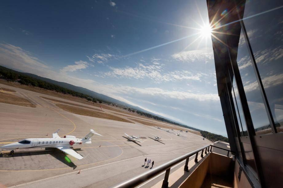 Les aéroports du Castellet (ci-dessus) et de La Môle/ Saint-Tropez pourront continuer à accueillir des vols extra-Schengen pour certaines occasions
