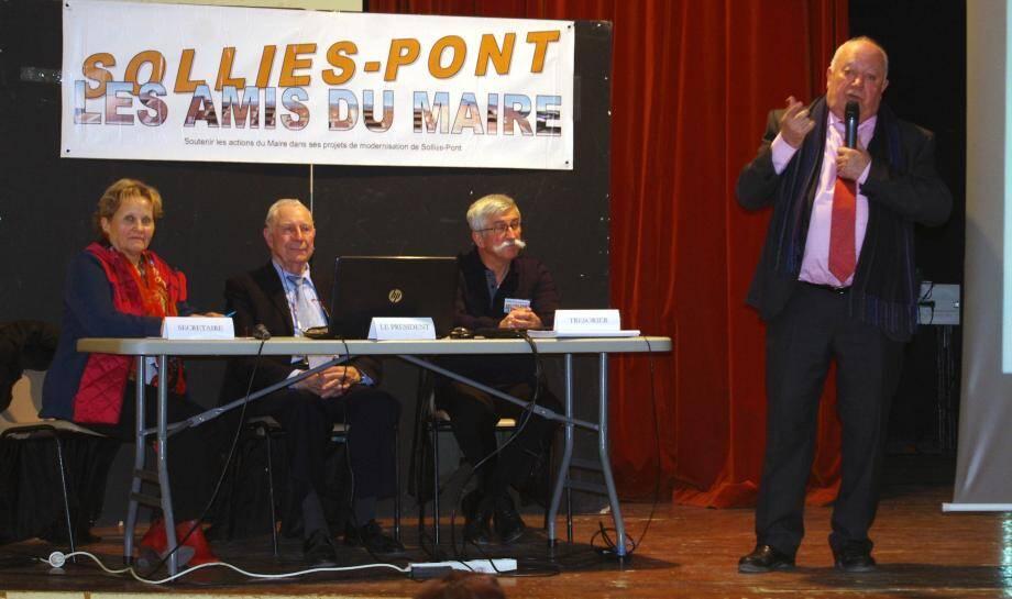 Devant ses amis, le maire André Garron a détaillé les raisons de son optimiste en l'avenir.