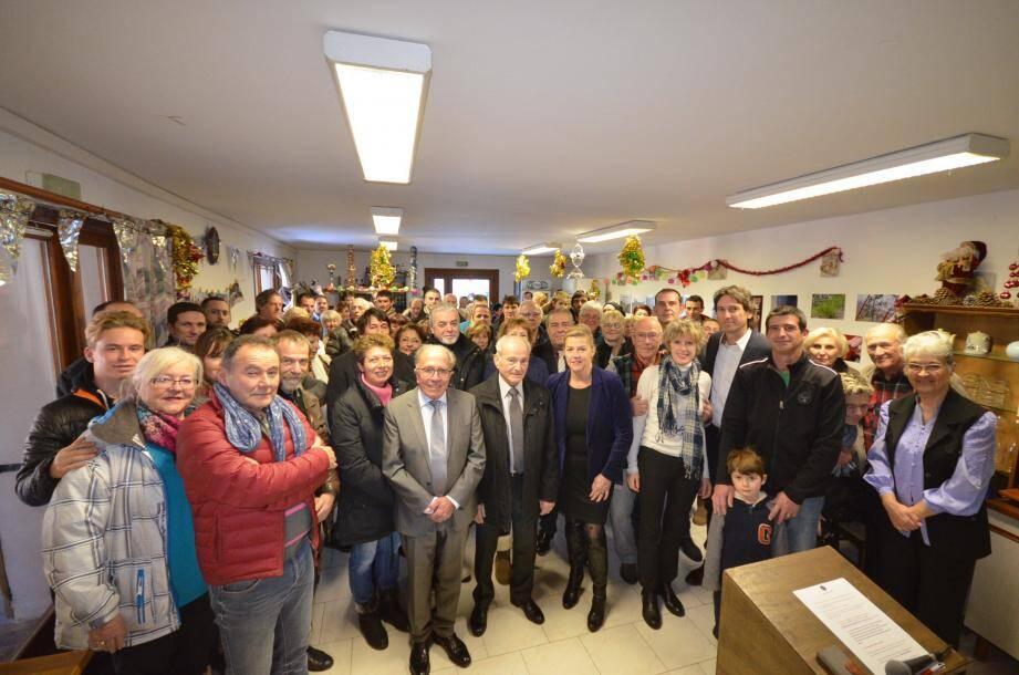 Anne Satonnet et Laurent Baudoin entourés de nombreux élus et de la population tourettane sont réunis pour la traditionnelle cérémonie des vœux et la mise en perspective des nombreux projets communaux.