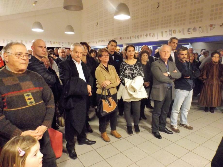 Rogiérois et représentants des communes voisines ont écouté les vœux du maire.
