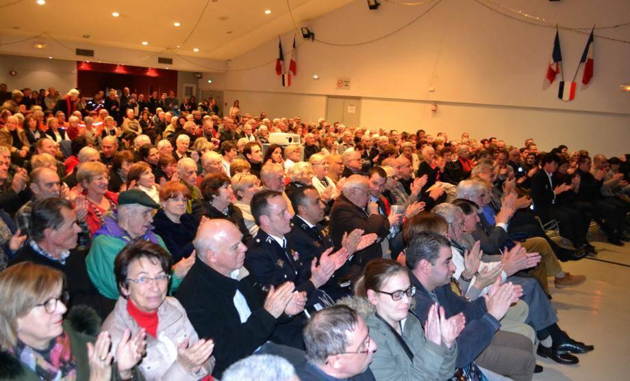Les vœux à la population ont suscité un bel enthousiasme du public venu en nombre.