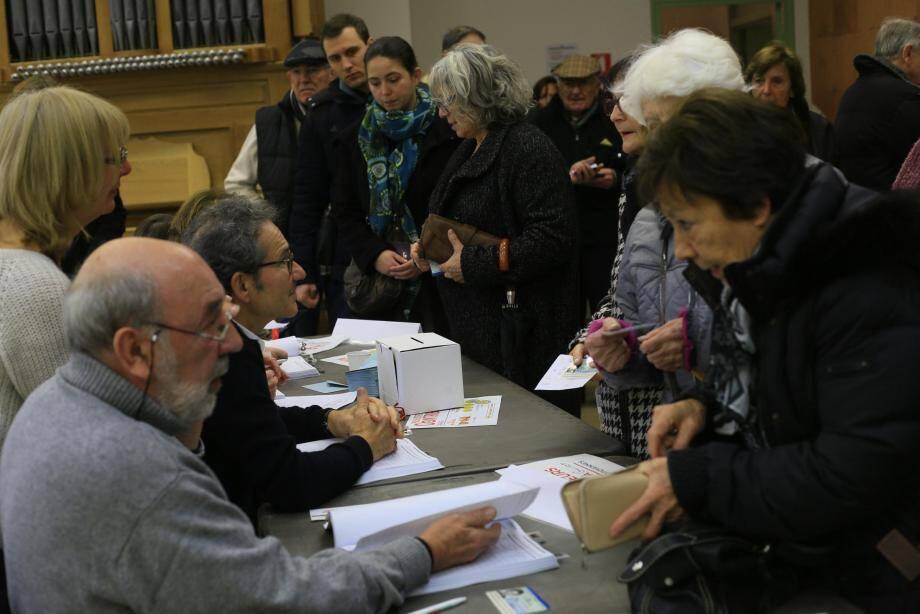 À Hyères, on comptabilisait 1042 votants hier. Pour William Seemuller, élu socialiste, «le peuple de gauche s'est mobilisé».