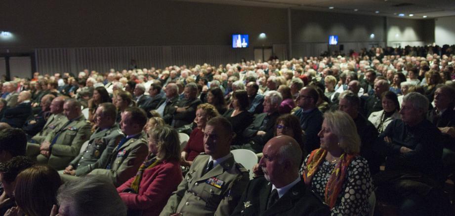Près de 900 participants dans la salle polyculturelle.