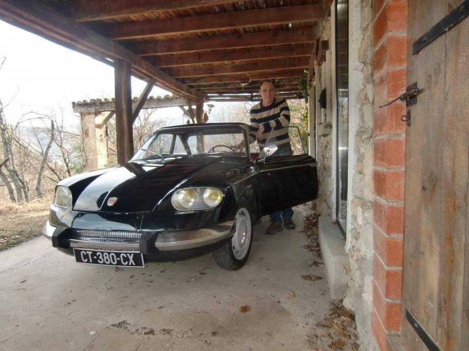 Jérôme Carnat, d'Annot, a préparé une magnifique Panhard CT de 1964 pour le prochain rallye historique de Monte Carlo.