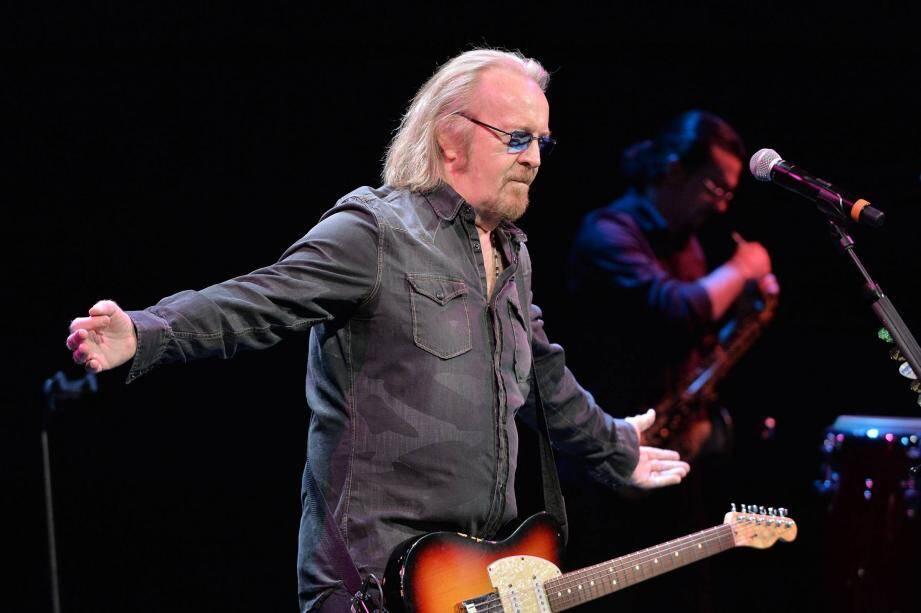 Le chanteur donnera un concert le 17 février, à la salle Empire, pour soutenir les actions de l'association.