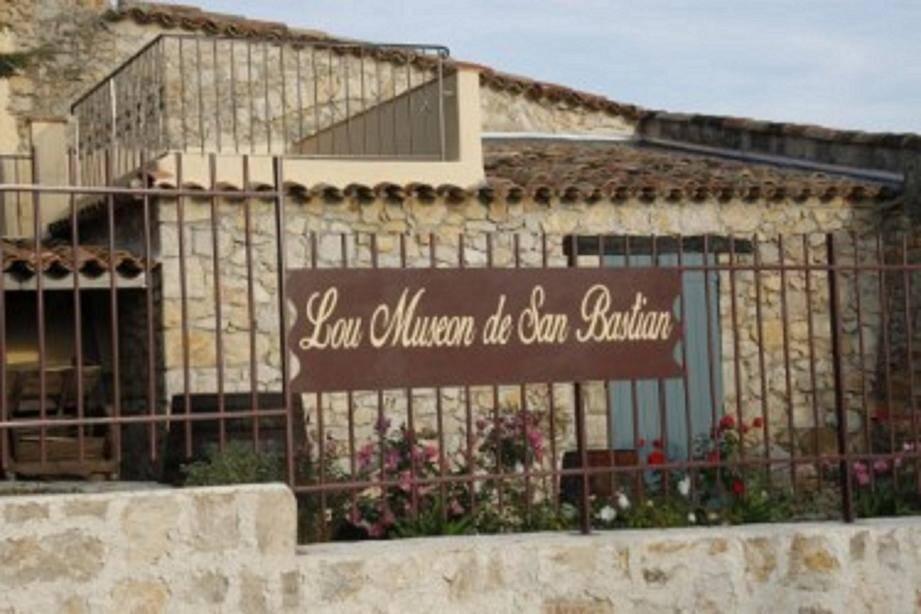 « Lou Museon de San Bastian » nouvellement déplacé à l'entrée du village en face la Terrasse des Arts.