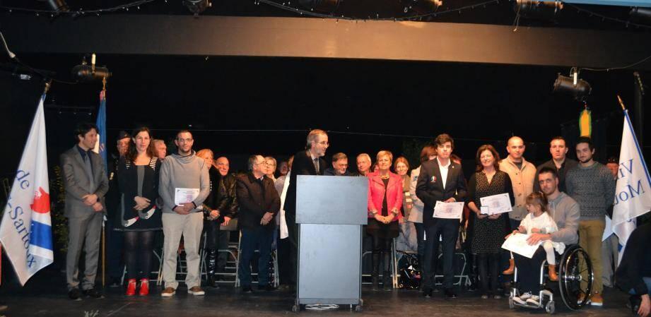 Les Mouansois remarquables ont reçu le diplôme d'honneur de la ville.