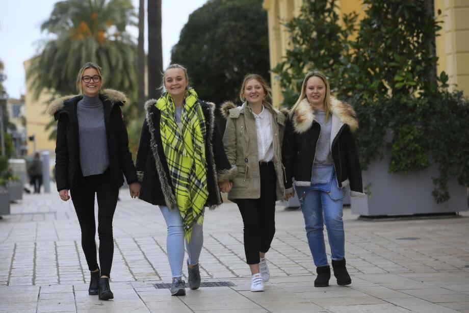 Originaires de Cuers, Bormes et du Castellet, ces quatre lycéennes de Jean-Aicard sont aussi bénévoles au Secours Populaire de Toulon.
