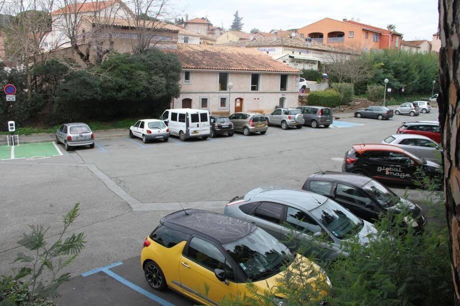 Une étude va être prochainement lancée pour l'aménagement d'un parking au cœur du village.