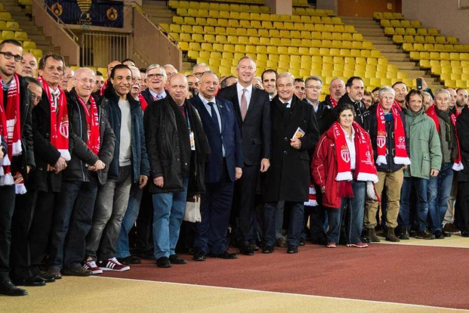 Les dirigeants du football de la région, autour du vice-président de l'ASM, Vadim Vasyliev, qui les avait conviés à assister à la demi-finale de la Coupe de la Ligue.
