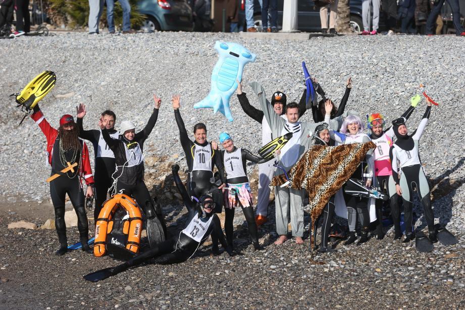 Au départ de la course de la traversée du Cros de Cagnes, à l'invitation du club Moana.