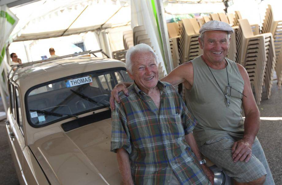 Thomas Demange (à gauche) lors du festin de 2013 avec son complice de toujours, Claude Waejman.