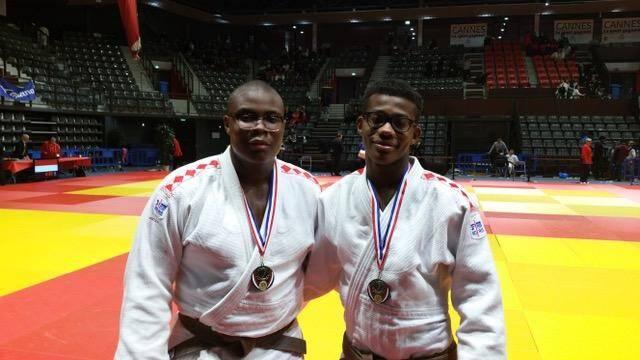 Les deux judokas après la remise de médailles.(DR)