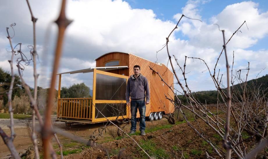 """Romain Mondon espère que le concept de """"tiny"""" house va se développer en France."""