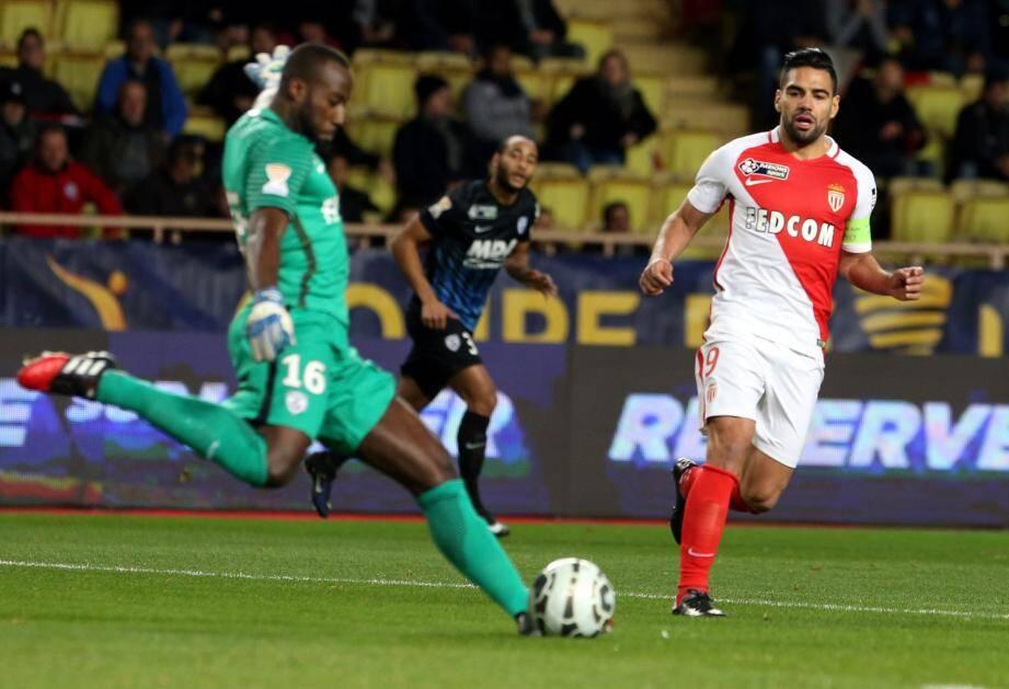 Falcao a su profiter d'une erreur du gardien de Nancy pour ouvrir le score avant la pause.