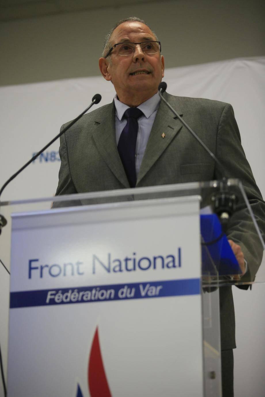 Devant plus de trois cents militants et élus dont Marc-Etienne Lansade maire de Cogolin, Louis Aliot a rappelé pourquoi selon lui, les Français doivent en finir avec un système clientéliste qui fait la preuve de son échec politique.