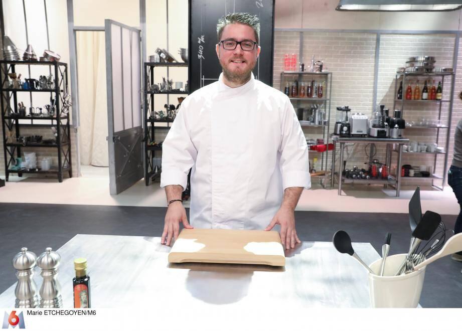 Après Objectif Top Chef, Carl Dutting sera ce soir dans la saison 8 de Top Chef. Ancien commercial, ce trentenaire s'est reconverti dans la cuisine et espère bien ouvrir un jour son propre restaurant.
