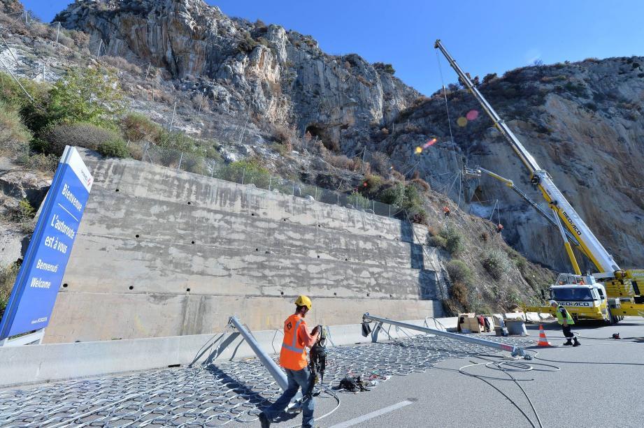 L'objectif: prévenir des chutes de rochers et réparer ou remplacer les grillages de sécurité existants.