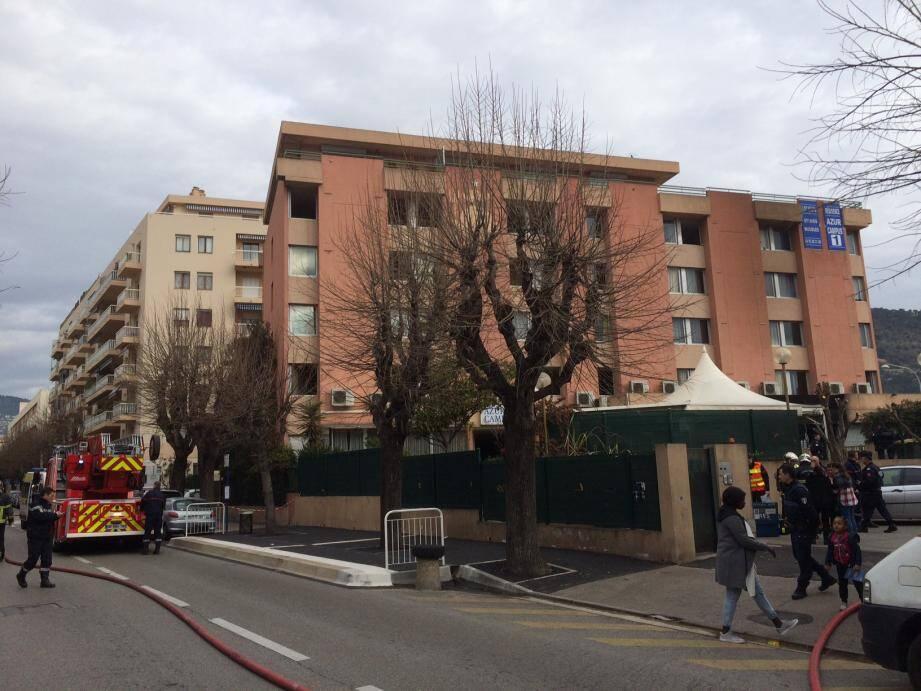 Le feu s'est déclaré dans cette résidence du boulevard Pasteur à Nice
