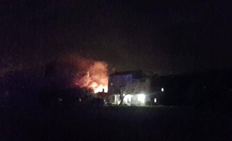 Un incendie ravage un local agricole à Ollioules