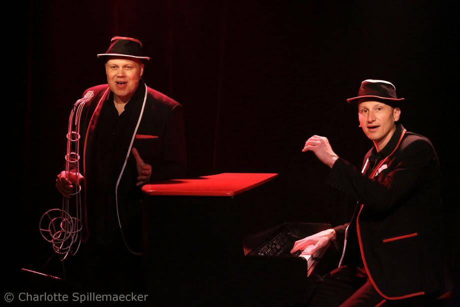 À 20 h 30, ce soir le théâtre Lino Ventura accueille Biga* Ranx et le duo Jahneration.(DR)