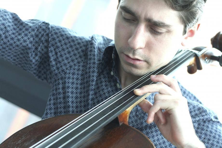 Mikhail Nemtsov, un as du violoncelle.