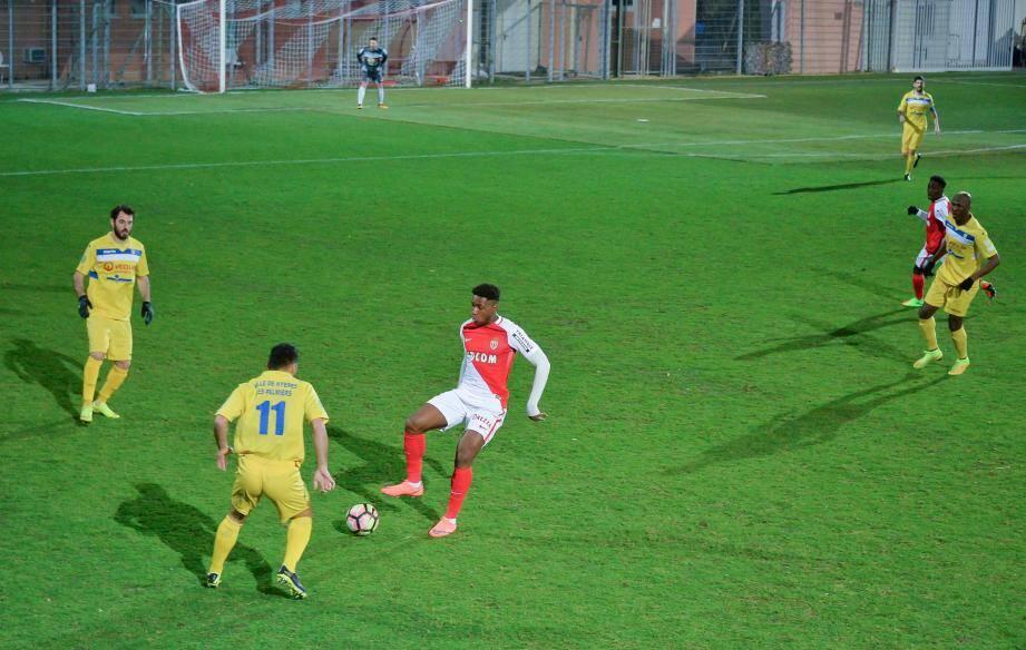 Une semaine après avoir réalisé le pire match de sa saison contre Hyères (0-3), l'ASM n'a pas réussi à retrouver le chemin du succès.
