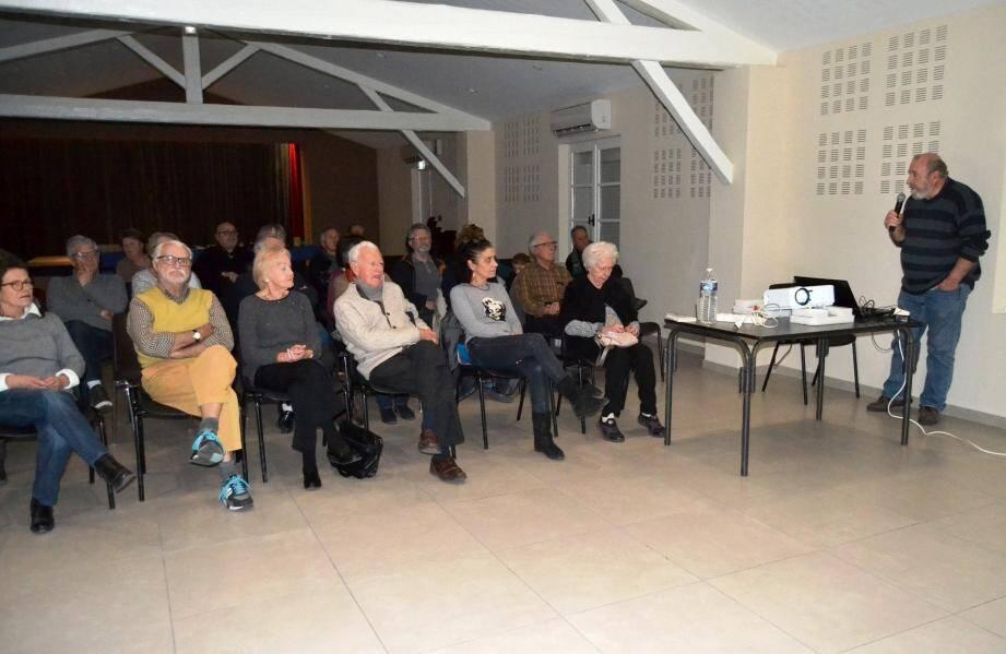 William Mourey a passionné le public avec son intervention sur les TAAF (Terres antarctiques et australes françaises).
