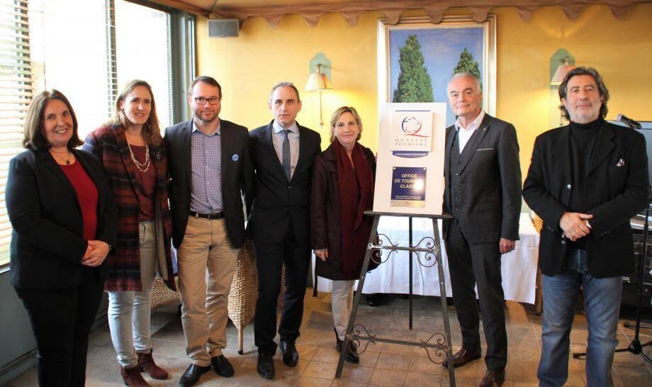 De gauche à droite Suzanne Blondeau-Ménache, Noémie Dewavrin, Eric Doré, Christophe Tourette, Françoise Duhalde-Guignard, Richard Galy, Dominique Fantino.