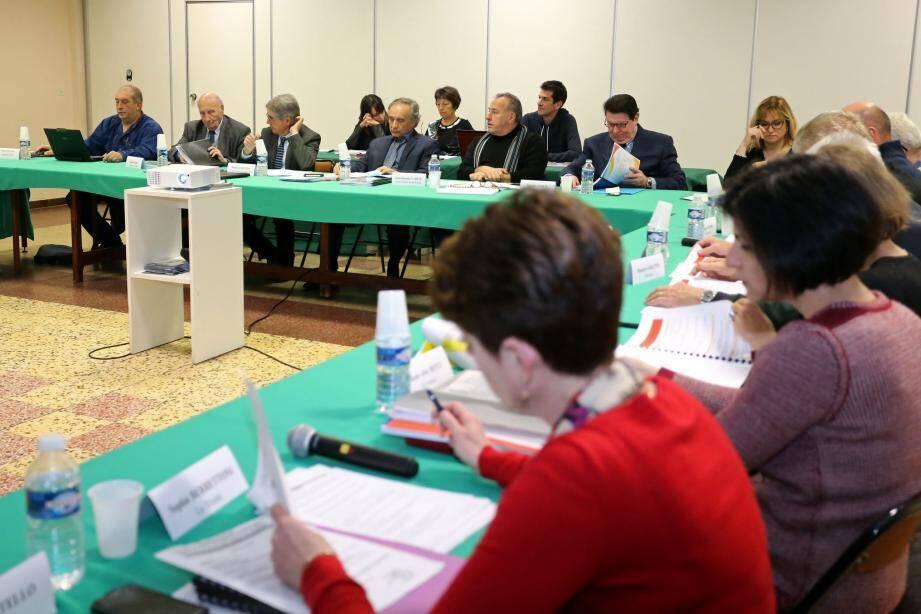 Le comité du Sivom lors du débat d'orientation budgétaire.