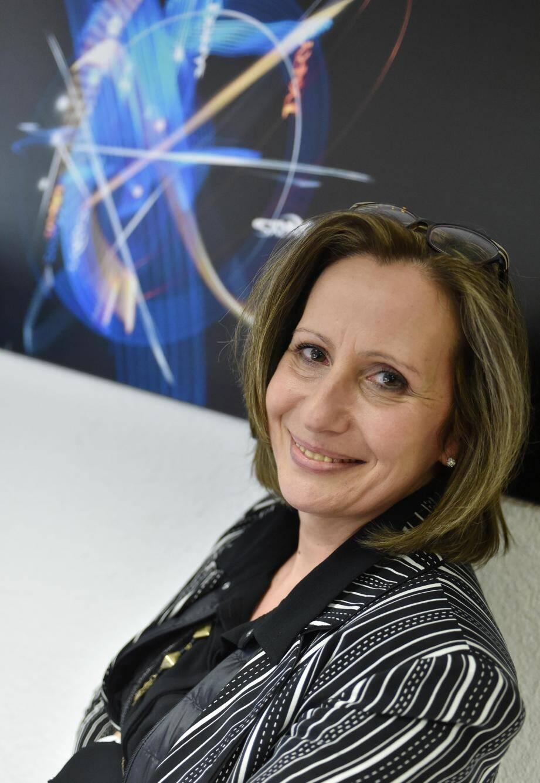 Véronique Maurel défend la cause des PME-PMI au sein de l'UPV tout en dirigeant son entreprise Ixarys avec son conjoint Patrick Hyppolite.