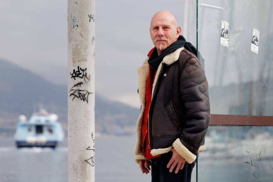 Installé au Beausset, Serge Gonnet, alias Markis Sarkis, est le leader du groupe Gut Gut dont les quatre membres sont tous originaires de l'ouest-Var.