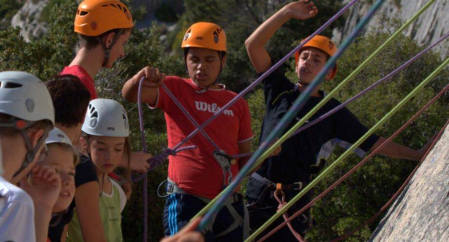 L'activité escalade sur la montagne Sainte Victoire est très prisée.