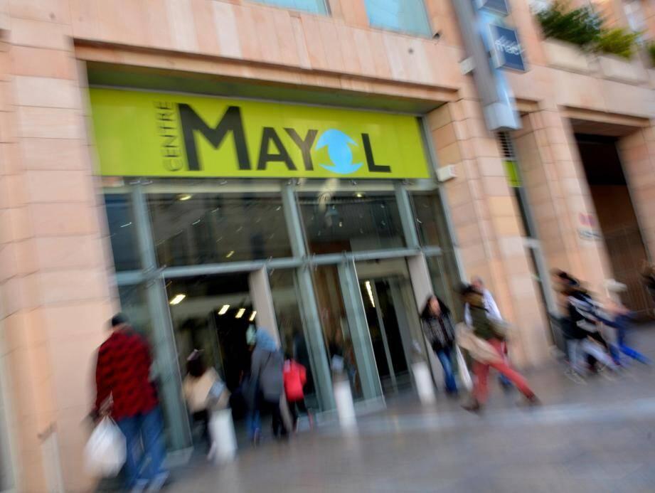 Construit il y a près de trente ans, le centre Mayol pourrait se remettre au goût du jour.