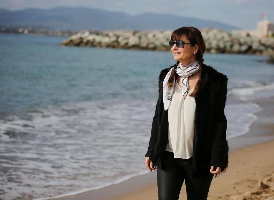 Patrizia, chanteuse professionnelle, tentera sa chance à The Voice, ce soir.
