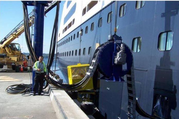 Comme ici à Seattle (Etats-Unis), une vingtaine de ports dans le monde permettent aux navires de se brancher directement à quai, selon l'organisation internationale World Ports Climate Initiative.