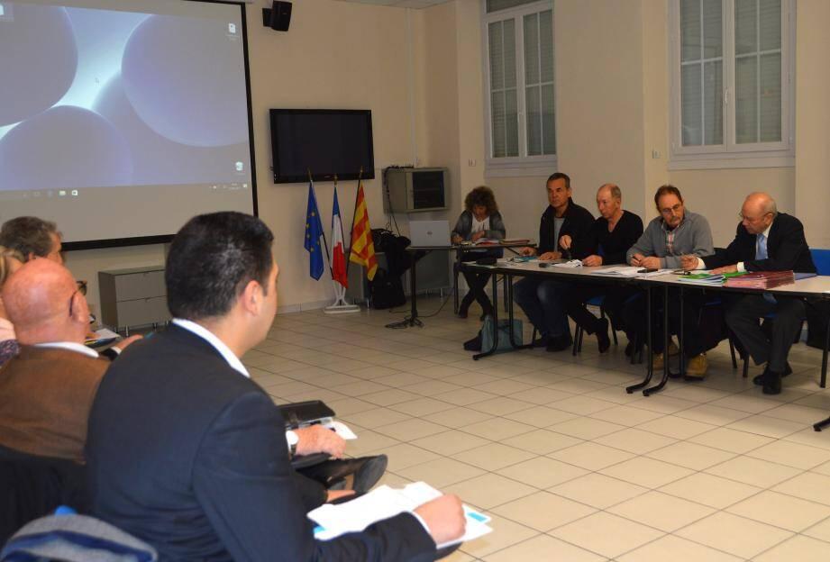 Beaucoup de questions administratives pour cette réunion présidée par le maire Jacques Varrone.