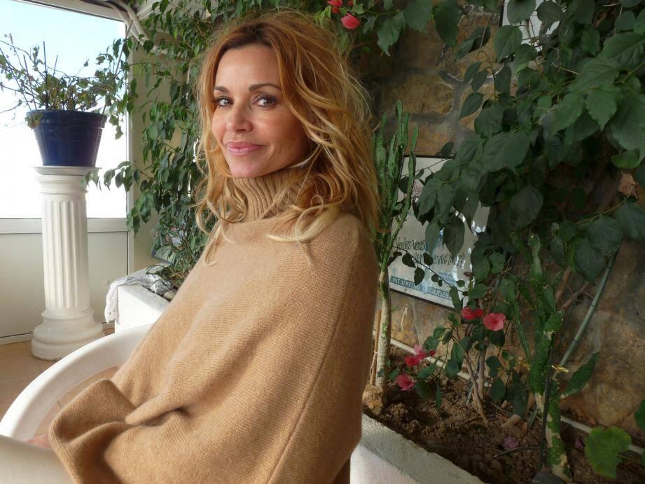 À Cannes, Ingrid Chauvin apprécie le confort simple et familial de Bijou plage, sa « cantine ».