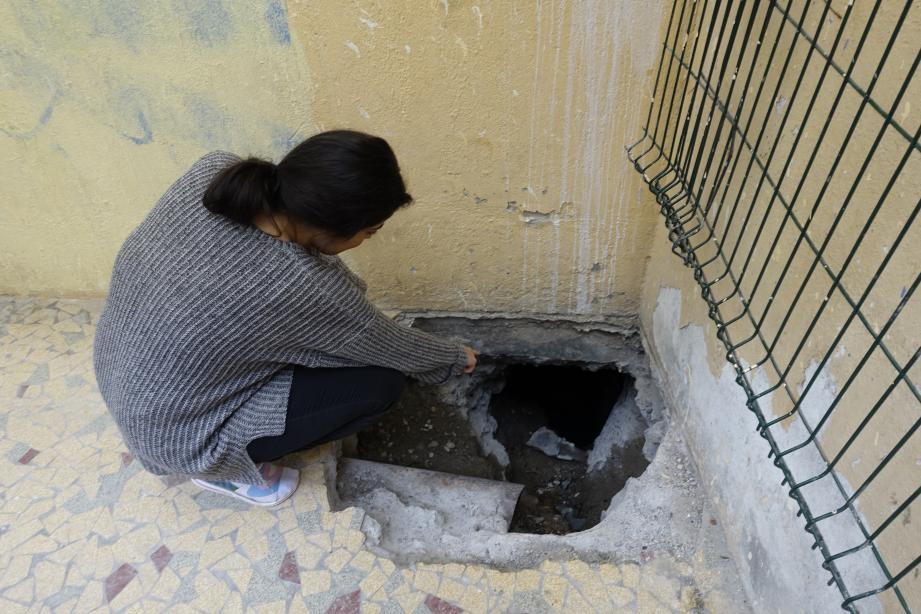 Sous l'appartement de Meyrem situé au rez-de-chaussée de la rue Pégurier, les recherches de fuite ont seulement permis de localiser un trou d'eau important dont l'origine n'a pas été éclaircie.
