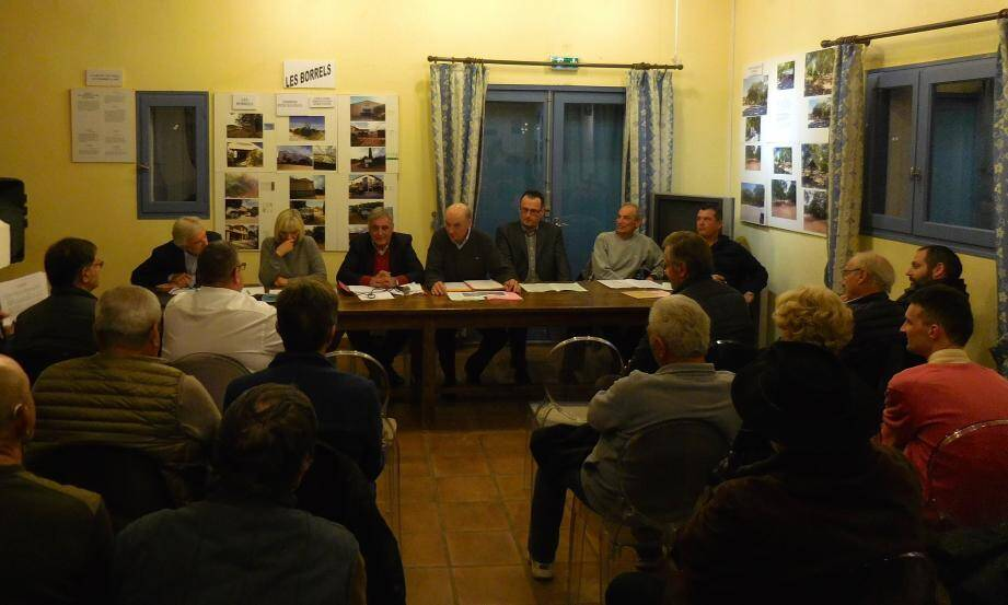 En présence de Josiane Mai, élie Di Russo et Jean-Marc Gely, Bernard Pothonier a annoncé, entre autres, une enquête publique sur les zonages d'assainissement au second semestre 2017.