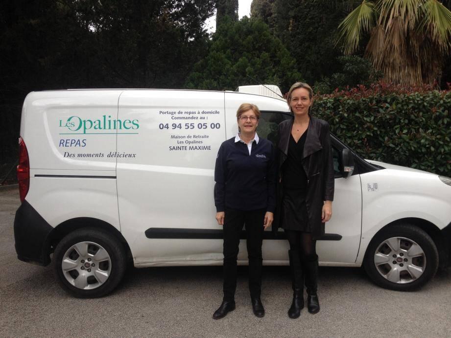 Karine Bianchi (à droite) a mis en place de nouveaux services à domicile pour tous, avec l'aide de son équipe, dont le portage des repas à domicile.